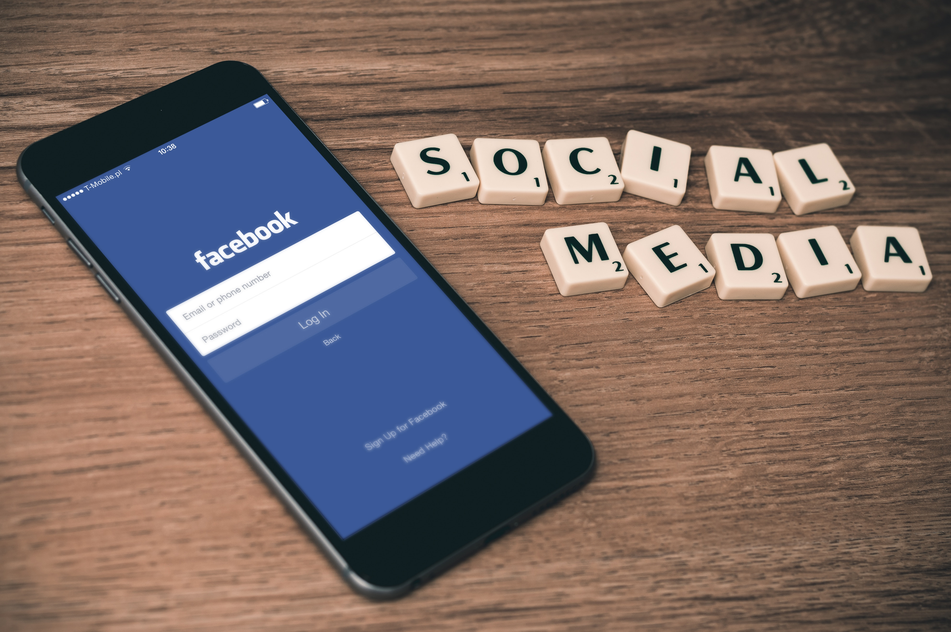 image: social media marketing for therapists